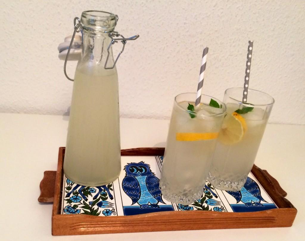 Sommerdrink med hjemmelavet ginger ale