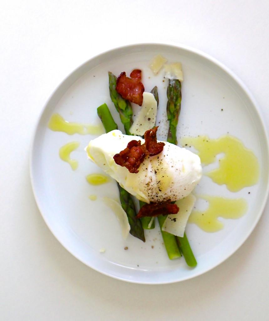 Porcheret æg med parmesan og bacon