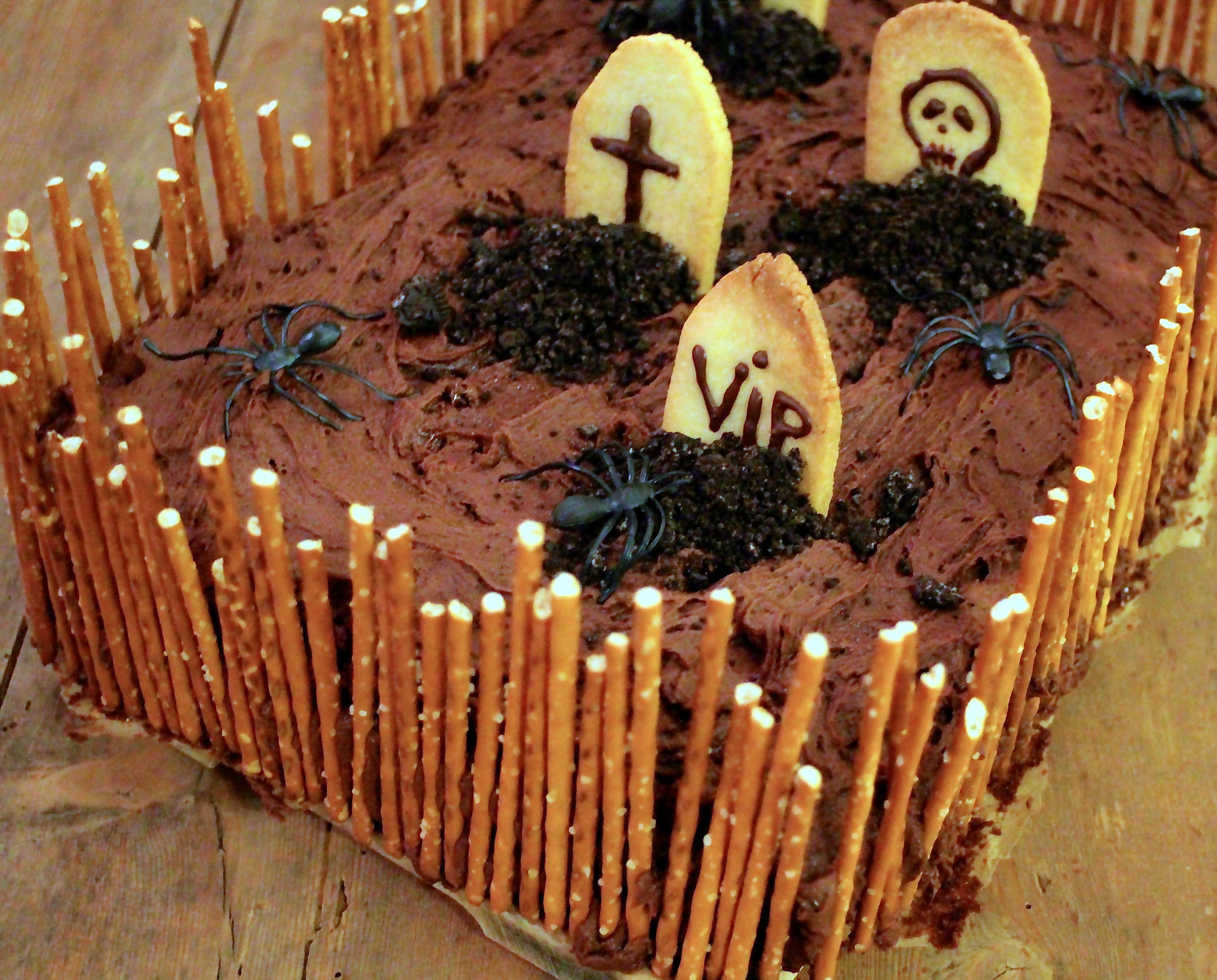 Halloweenkage - oreo brownie med chokolade frosting