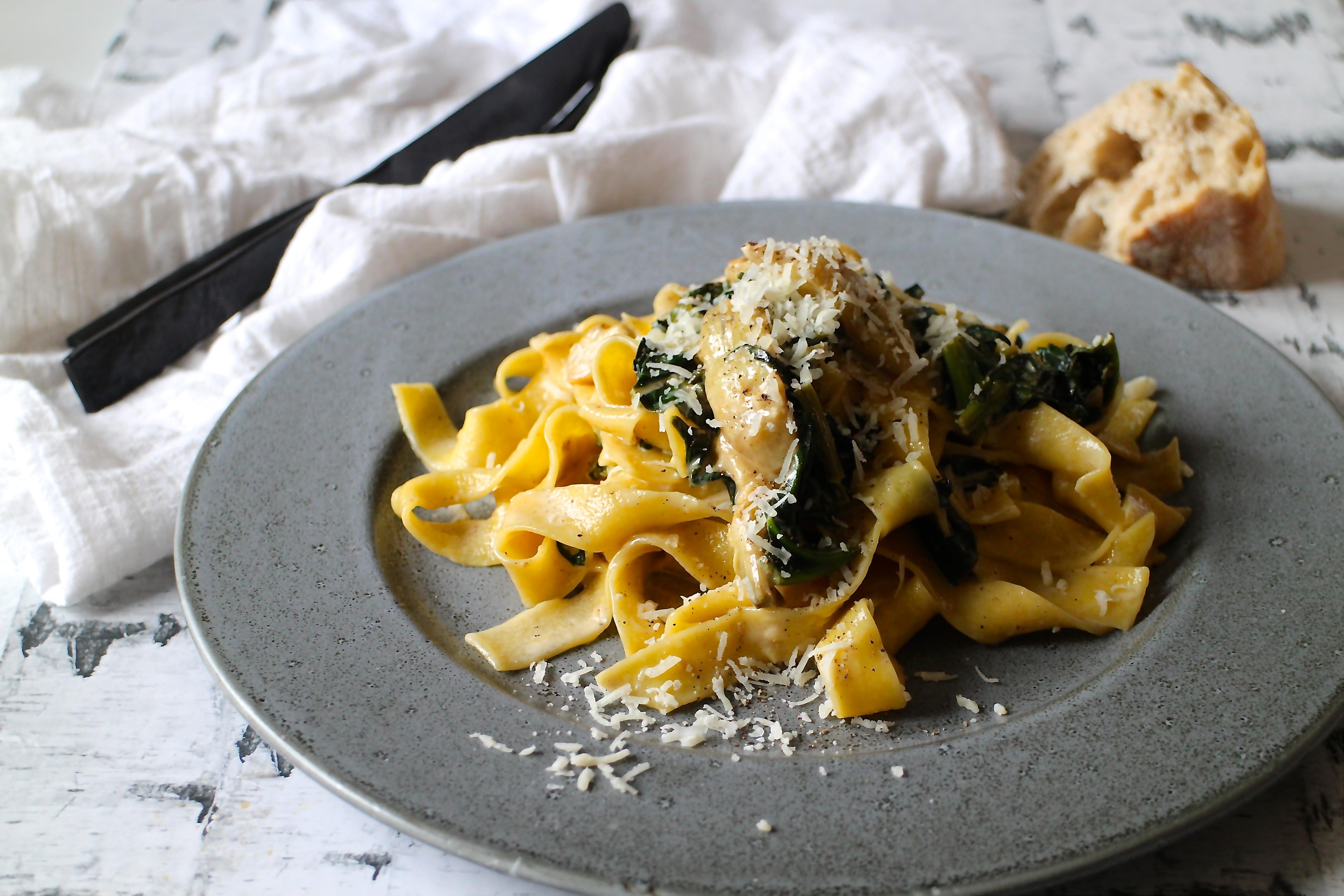Pasta med artiskok og spinat